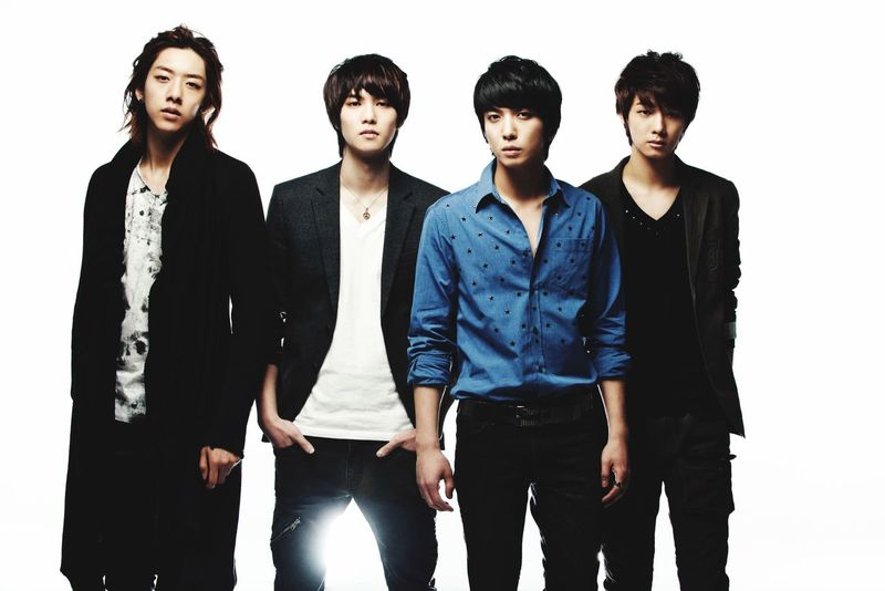 CNBLUE ❤️💕 My Idol Striking Fashion Button Up Cnblue MyLoves