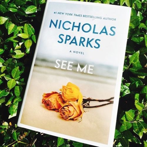 I don't have time to read novels, but this cover truly impressed me. A simple background, withered yellow roses and a request, or promise, or commitment... Nicholassparks Seeme