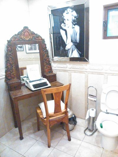 A place for quite contemplation! D'Office-Malta Marylin Monroe Old-fashioned Toilet Toilette Art Typewriter Washroom