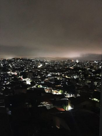 Noite na cidade City Building Exterior Architecture Cityscape Illuminated Built Structure Sky