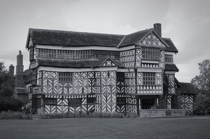 Architecture Built Structure Building Exterior Low Angle View Clear Sky Outdoors Entrance Sky Day Architectural Feature Façade Surface Level Cloud - Sky History No People Famous Place Little Moreton Hall Littlemoretonhall National Trust