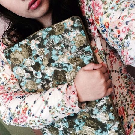 everything flowery floral pattern ❤️ made my own blouse and laptop case 💚 Im not a pro but Im a proud tailorist! 💕 my classmates called me flora and flower and all that because i love flowers! 💓 Floral Pattern Flowery Flowers Self Made Girly Fat My Talent Proud