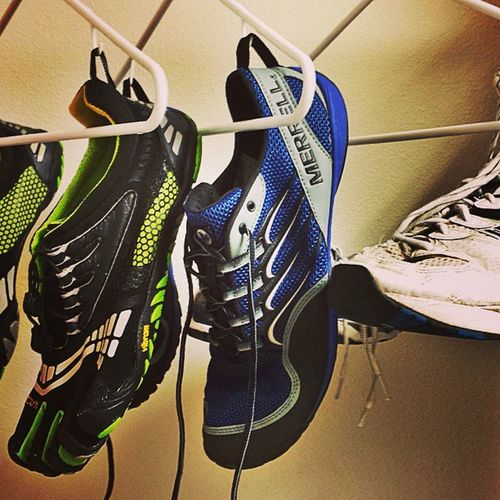 Running Laundry day Vibram Fivefingers Merrell & Asics Shoes for each type of run