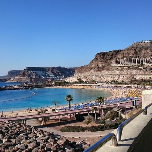Моднейший пляж, например