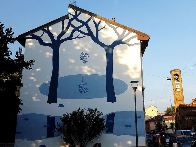 Murale di Via Saccardo, Milano Milan Milan,Italy Streetart Murales Muralesart Art My Beautiful City Discover Your City Trees Light And Shadow EyeEm Milano Hidden Gems