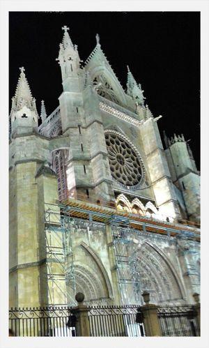 Catedral de León de noche aun mas impresionante! Leon