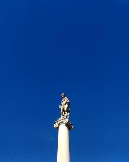 Pisa Igerspisa Ig_pisa Igerstoscana ig_toscana vivopisa vivo_toscana vivo_italia boiabello tuscanybuzz Tuscany pisaconnection instapisa nofilter Berlina piazza abbondanza sun blue sky calm