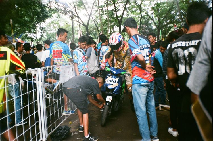 35mm photography 35mm Film Analogue Photography 35mmfilmphotography Ishootfilm Randomshot Colors Filmisnotdead EyeEm Best Shots EyeEmNewHere Eyeemthisweek Eyeemindonesia Indonesia_photography Roadrace Motorcycle Tree Day Men