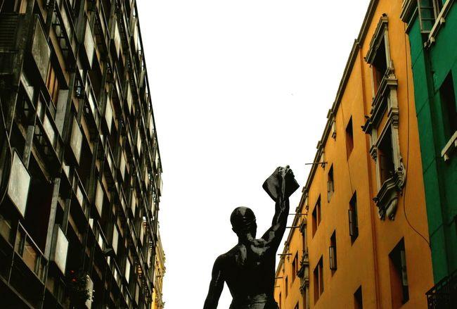 """""""The one men"""" Lima,Peru Architecture Silhouette City Photography EyeEm Best Shots EyeEm Best Edits EyeEm Best Shots - Architecture Architecture Scenics Sculpture Artist People Men Hello World Shirwashere"""