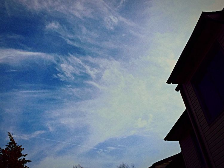 God painted the sky Bluesky Skywriting Whiteclouds Check This Out Hanging Out Cheese! Taking Photos Relaxing Enjoying Life Check This Out When Boredom Strikes. LongIslandNY Taking Photos