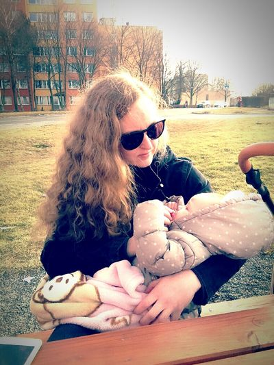 Sunglasses Beautiful Woman One Woman Only Portrait Of A Woman Woman Portrait Mother And Child Motherslove Great Time With My Girls Cimice Na Konecne Spring Is Coming  Czech Republic 2017 Prague Only Women Day Mother To Daughter  Mother Love