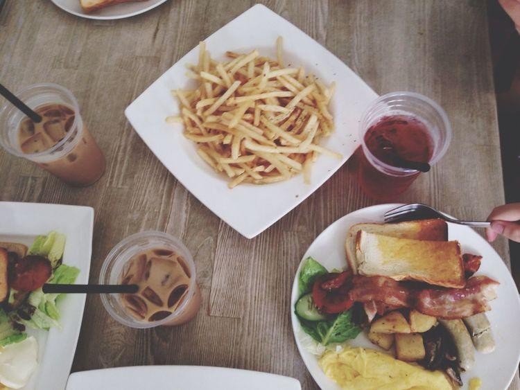 Late lunch! Im loving truffle fries. Food Friends Lunch EyeEm Best Edits