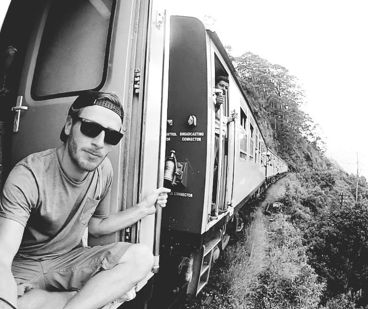 Train Ride Sri Lanka Free