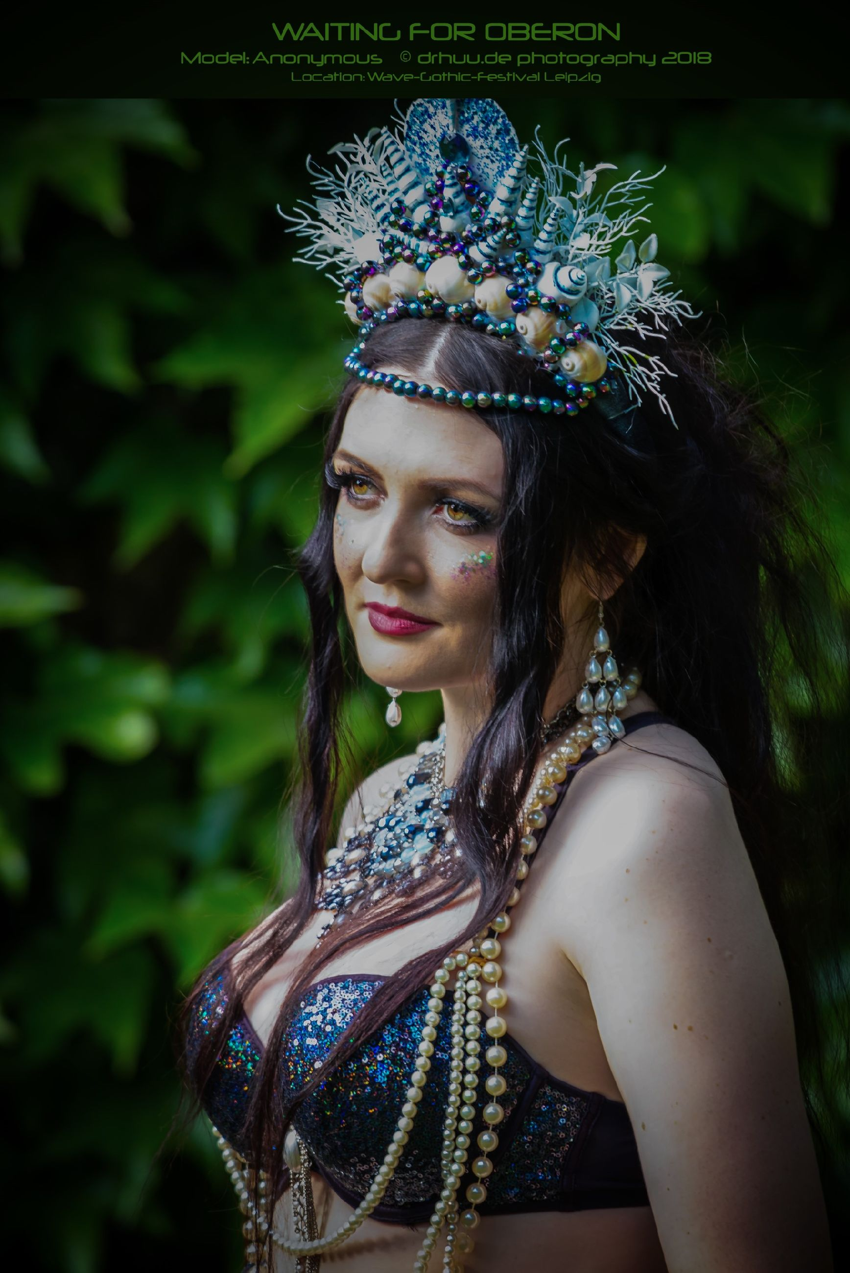 young adult, portrait, one person, women, headwear, beautiful woman, young women, beauty, traditional clothing, clothing, lifestyles, real people, focus on foreground, adult, front view, make-up, leisure activity, headshot, looking away, hair, headdress, hairstyle, outdoors
