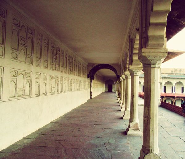 The royal corridors that were lit with lights of laughter, colors and festivities lay waste to the dark and dust now... Meena Bazaar AgraFort Mughalarchitecture Jahangir Showcase: January