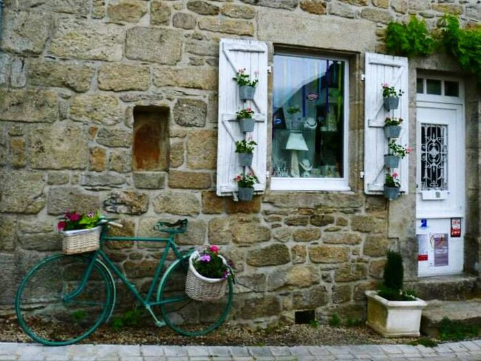 Architecture Building Exterior Built Structure Door No People Outdoors Day Bike Oldpicture House Beautifulhouse Oldhouse Tranquility Beauty In Nature France