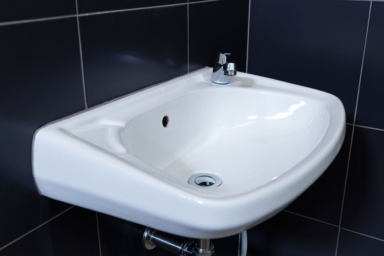 Washbasin in