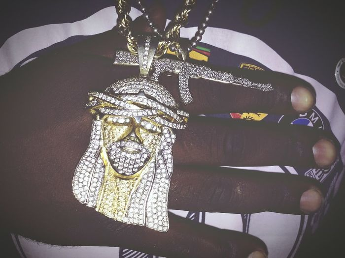 The Trappings of Trappin. Gold Diamonds Jewelry Gold Chains JESUS PEICE Ak-47 Trappin Thuggin Street Photography Urban