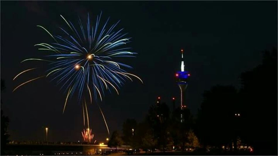 Capturing Movement Fireworks Japantag Düsseldorf