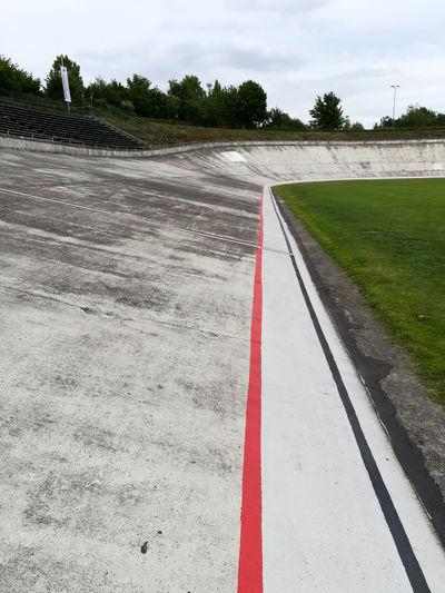 Steilwandrennen Betonpiste Competitive Sport Day No People Outdoors Radrennbahn Spannbeton Sport Velodrome