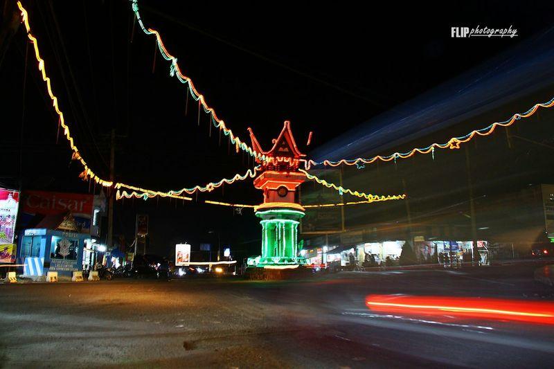 Creative Light And Shadow Nightphotography Flipphotography Streetphotography Indonesiantraveler Sumatrabarat INDONESIA Indonesia_allshots