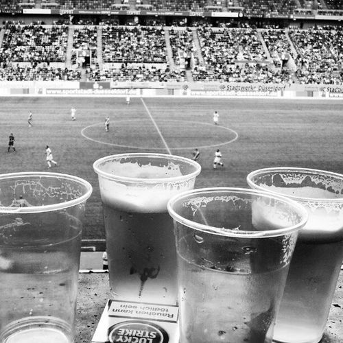 Fu ßball Football Fortuna D üsseldorf stadion f95 bier beer germany