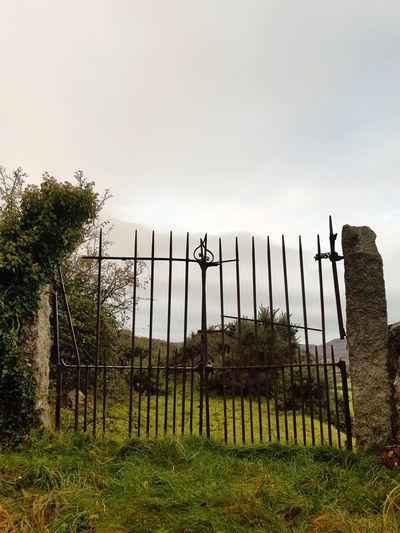 Gate Boundary
