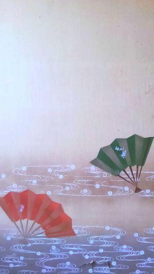 襖 Japan 扇 よく見たら穴空いてる