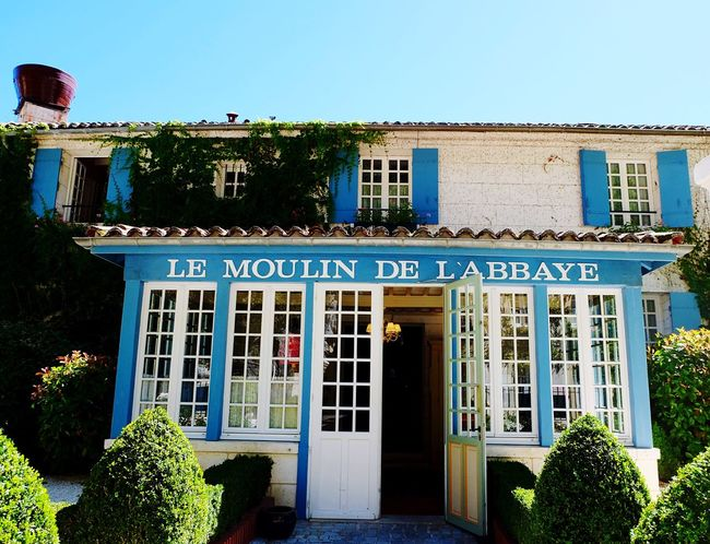 Le moulin de l'abbaye Restaurant Sunshine Fresh On Eyeem  Photooftheday Minimalobsession Building Exterior Minimalism Eyeemphotography Eye4photography