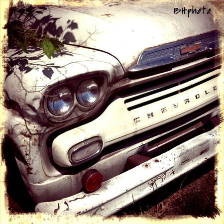 Antique Truck Chevrolet Close-up Day Deterioration Grave No People Old Old-fashioned Part Of Retro Styled The Past Vintage