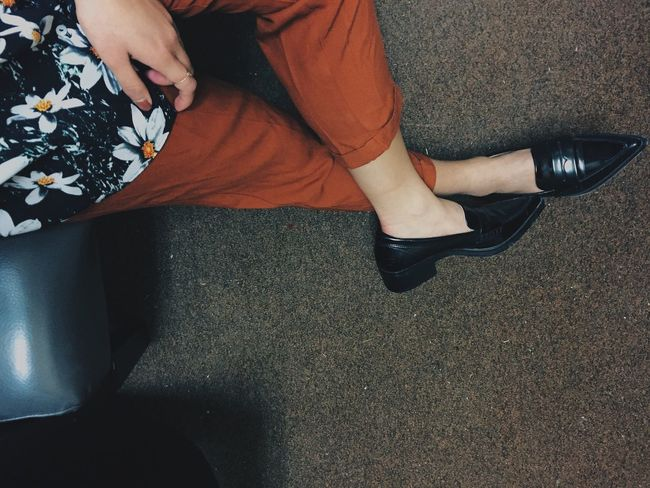 Majelone in her lovely persimmons. 🐞 Fashionblogger Fashion Fashion&love&beauty Love Oxford Loafers