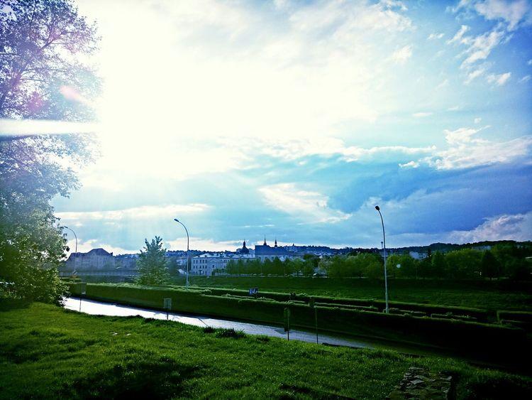 Blue Sky Skylovers Urban GREEN IS GOOD Green City Green