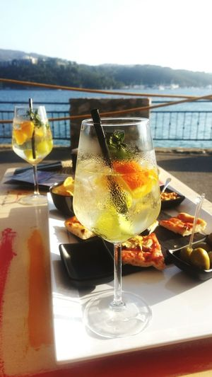 Drink Food And Drink Drinking Glass Cocktail Refreshment Sea Food Outdoors Foodlover Foodpics Foodgram Travel Destinations Summer 2017 Foodblogger Horizon Over Water Travel Photography Day Aperitivo  Aperitime Aperitive Aperitif