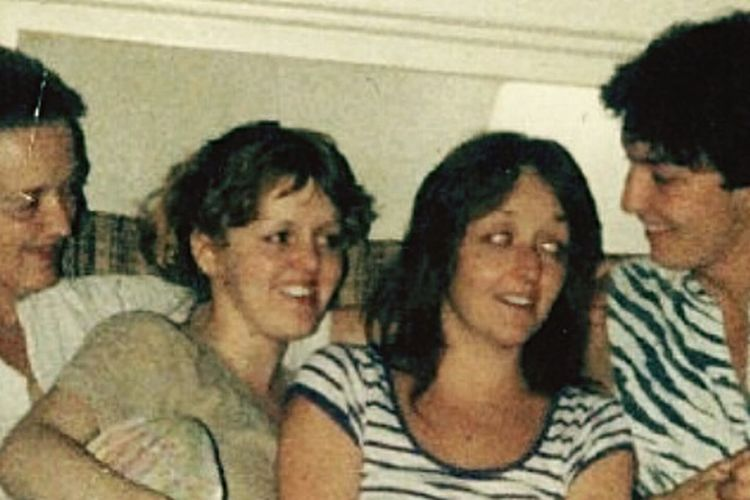 Vintage shot. Happy times with my Mom, me & my late sister & brother. Vintage Photo Only The Good Die Young i guess I Miss Them unbearably sometimes