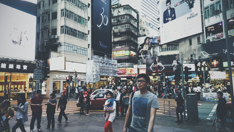 Roaming the streets of Causeway Bay. Doing some Streetphotography while Relaxing and deep in thoughts. Walking Around town alone isn't that bad
