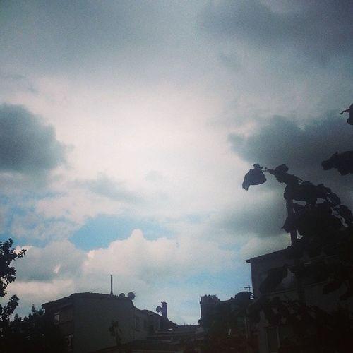 Benim havalarim geldi sonunda! Yasasin Sonbahar Mutluyum Instagood Instamood Instagramturkey Instaturk Hava Weather Rain Loveit