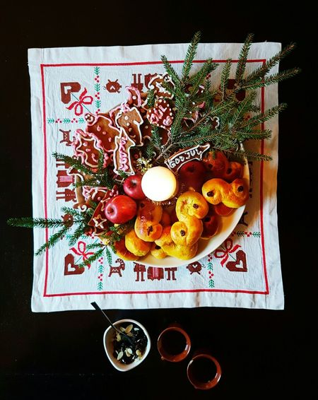 Merry Christmas 🎄❤☃🌟 Food Samsung Galaxy S7 Edge Holiday Gingerbread Man Ginger Bread Saffron Lussekatter Cookies Festive Season Winter Baking Glögg Glühwein Mulled Wine Christmas Around The World Christmas Decorations Foodporn