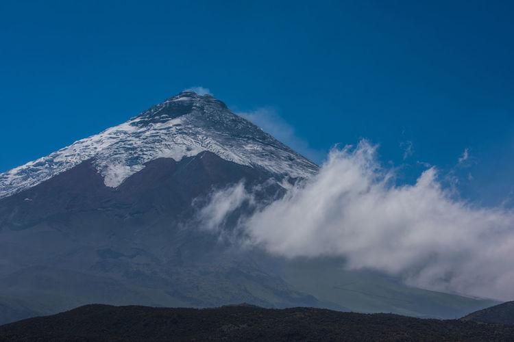Cotopaxi Cotopaxi National Park Cotopaxi Vulcano Ecuador Hiking Lake Scene Snow Cap Snow Mountain South America