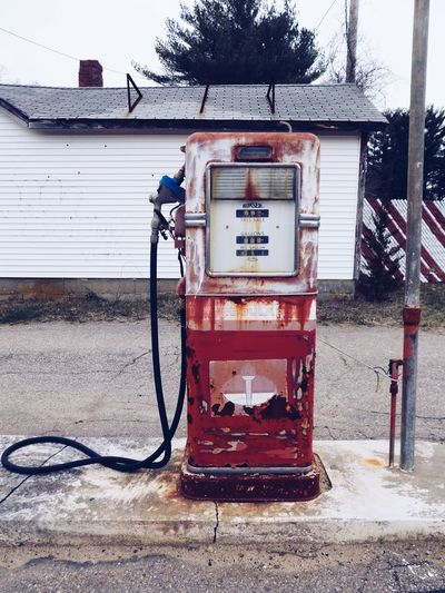 VIEW OF OLD GAS PUMP