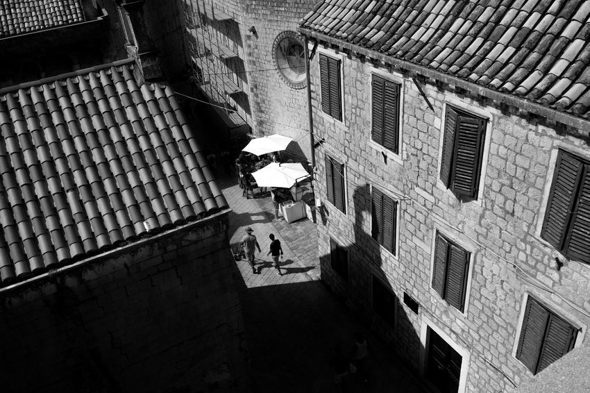 Archineos Architecture Ugo Villani Architecture B&n B&w Bianco E Nero Black And White Photography Blanco Y Negro Fotographia Building Exterior Croatia ♡ Croazia Dubrovnik Monochrome Old City Old City Walls Outdoors People Real People Shadows Silhouette Photography