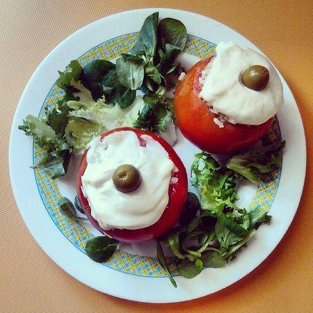 Mi Cocina Tomates Rellenos De Arroz Atùn Pepino Mahonesa Oliva Verde Vegetales Sano Fresco Rico Brotes ñacñac Delicioso Nice Cute