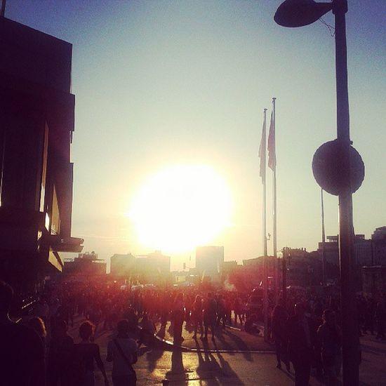 Bugün taksimde güneş batarken.. Taksim Gezipark ı Direngaziparki Direni ş diriliş
