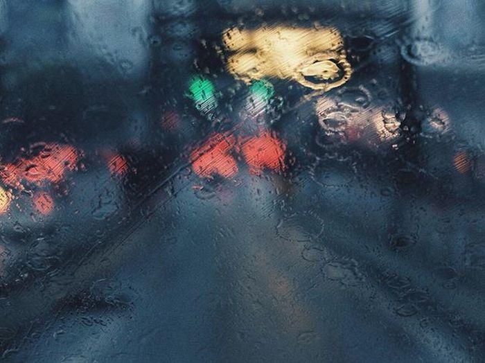 Traffic In The Rain 🌧 [ 3/3 ] . . . . . AOV Agameoftones Art_spotlight Selfvisualized Streetdreamsmag Streetmeetina Streetphotography Streetphoto Streethappens Distinctviews Distinctlife Fujiguys Fujifilm_id Fujifilmx30 Fujifilm_xseries Terfujilah TheCreatorClass Trusttheshooter Createexploretakeover VSCO Vsco_hub Vscogram Vscodaily X30 Photooftheday iphonesia iphonephotography