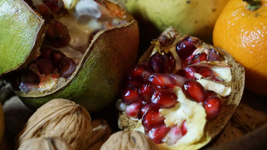 Autumn Close-up Day Food Food And Drink Freshness Fruit Healthy Eating Indoors  No People Pomegranate Pomegranate Seed Ready-to-eat