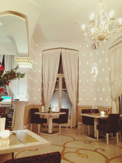 Nice Dinner Gold&bling Citylife Exploring New Taste