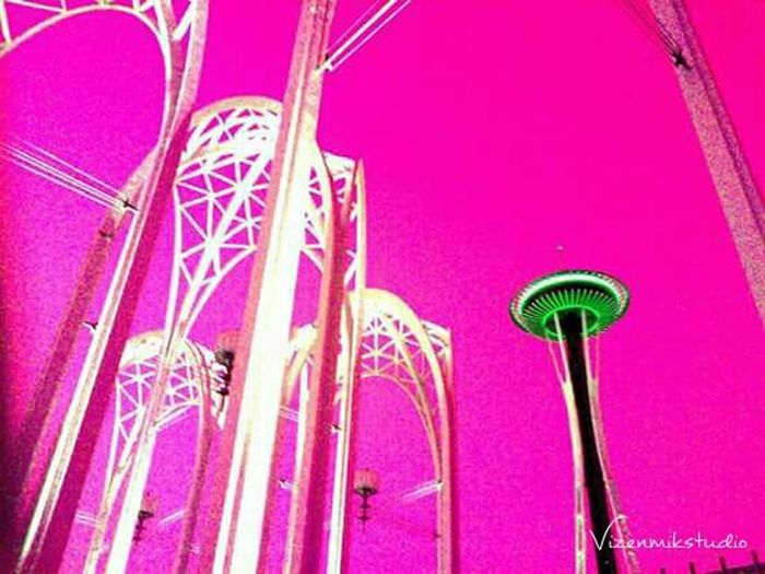 Outdoors Photograpghy  Taking Photos Photography Seattle Space Needle Queenanne Popart Pop Art Colors