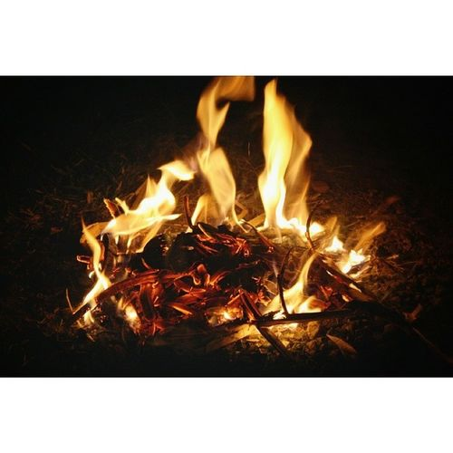 let the fire alive, burn your anger and keep your soul warm Fire Element Ignature Ig_tranquility IG_exquisite ig_nesia instaplace instamood instanusantara instaasia dark red fireporn