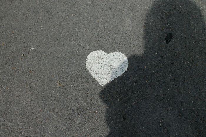 ♡ Road Path Love Heart Shape Close-up Drawn White Line Asphalt Roadways Road Marking