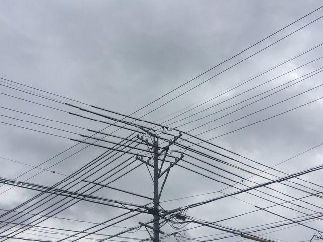 曇って来た 曇り Cloudy 空 Sky 電柱 Utility Pole 電線 Electric Wires