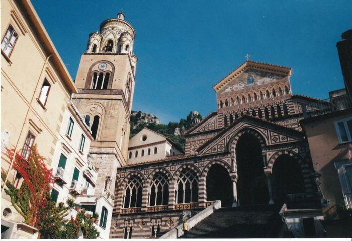 This Week On EyeEM Amalfi Coast This Week On Eyem Beautifuf Architecture Many Stairs To Church No People Beautiful Scene Church Along The Amalfi Coast